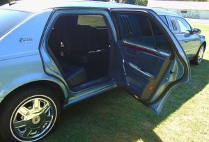 8-passenger-2012-cadillac-dts-limousine-03
