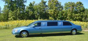 8-passenger-2012-cadillac-dts-limousine-04
