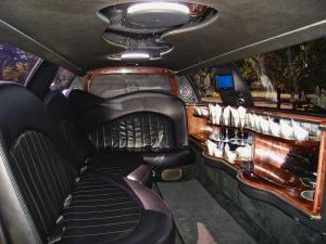 9 Passenger Black Limousine - Interior