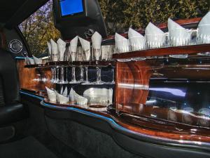 9 Passenger Black Limousine - Interior 2